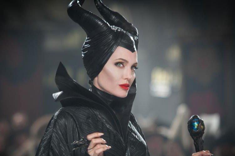 Angelina-Jolie-Maleficent-03
