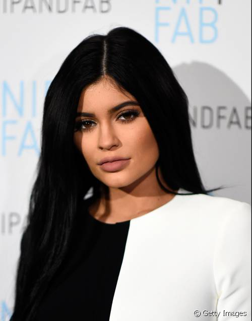 kylie-jenner-contouring